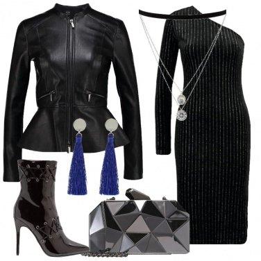 Outfit L\'abito monospalla nero