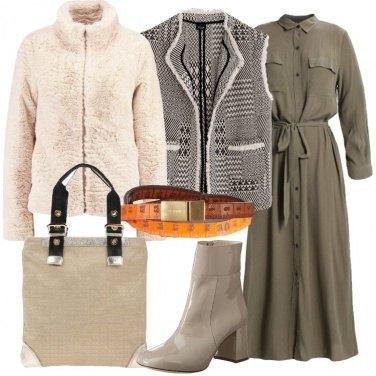 Outfit Abito lungo con ecopelliccia