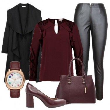 Outfit Comoda col tacco largo