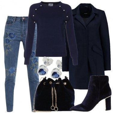 Outfit Cuori e fiori blu