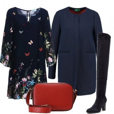 Outfit Fiori e farfalle sul blu