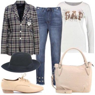 Outfit Blazer e cappello