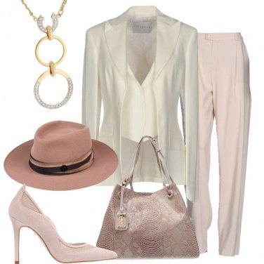 Outfit Il cappello rosa
