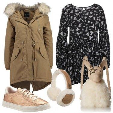 Outfit Originale con zainetto e paraorecchie
