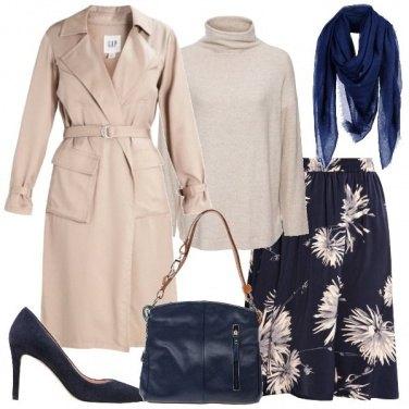 Outfit Signora in blu e beige