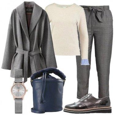 Outfit Comoda in grigio