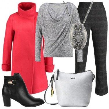 Outfit Cappotto corallo