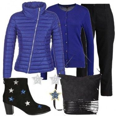 Outfit Blu royal e tante stelle