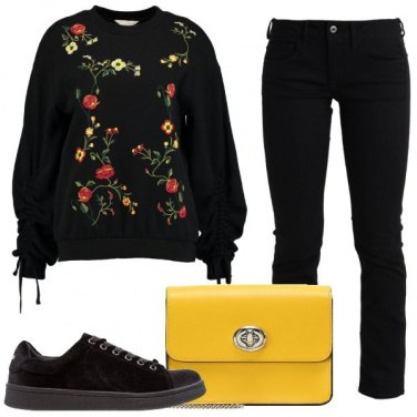 Outfit Felpa floreale trendy