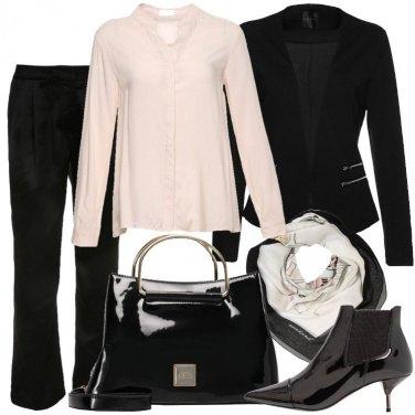 Outfit Foulard al lavoro