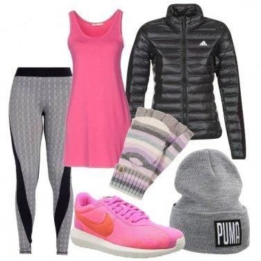 Outfit Corsetta mattutina in grigio e rosa