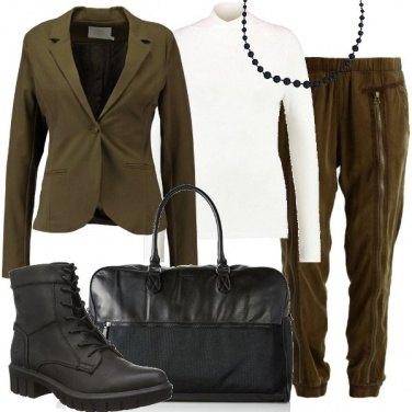 Outfit In viaggio con grinta