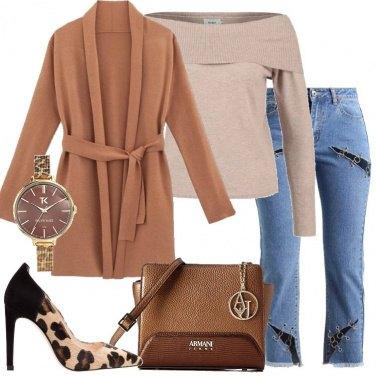 Outfit Jeans e décolleté animalier