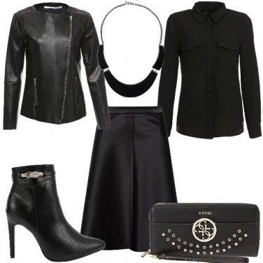 Outfit Stasera mi vesto di nero