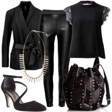 Outfit Borchie e pizzo