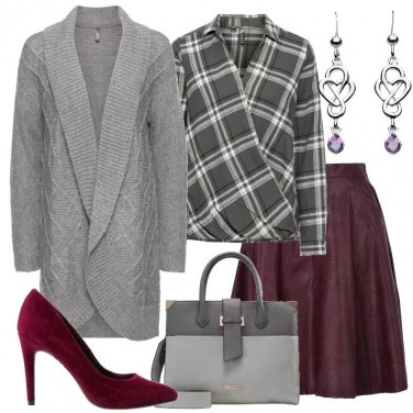 Outfit Gonna in similpelle bordeaux