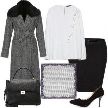 Outfit In ufficio con il foulard