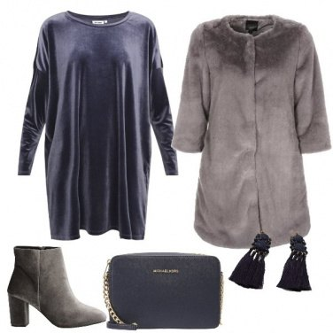 Outfit In grigio e blu