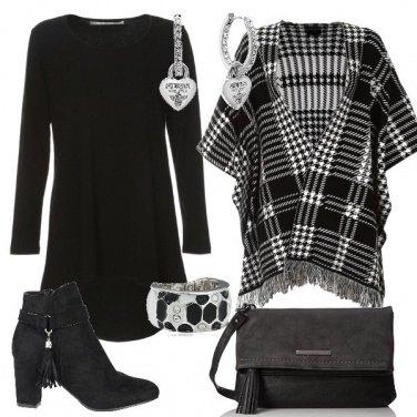 Outfit Poncho a quadri