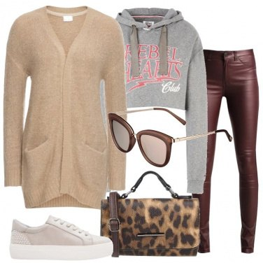 Outfit Cardigan e pantalone skinny