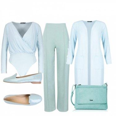 pantaloni azzurri cotone donna con giacca azzurra