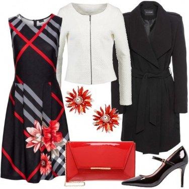 Outfit Fiori sulle righe