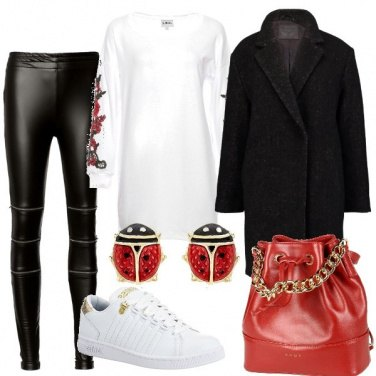 Outfit Coccinelle portafortuna