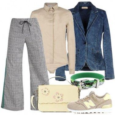 Outfit Pantalone con banda laterale