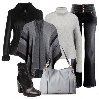 Outfit La mantella sulla giacca