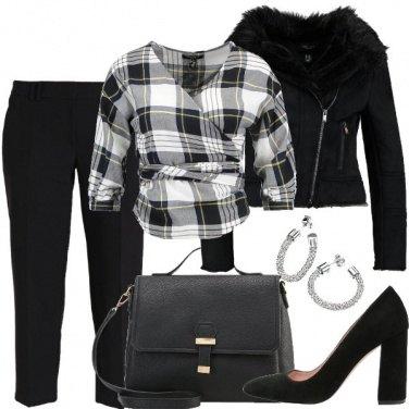 Outfit Scacco al nero