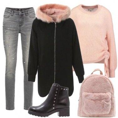 Outfit Zaino e giacca in ecopelliccia