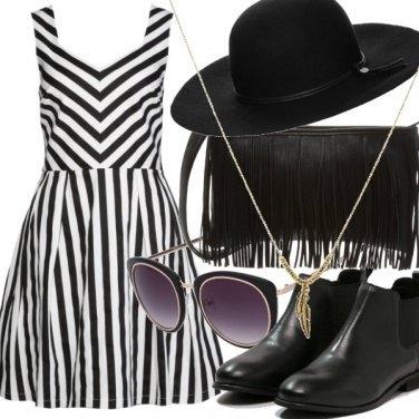 Outfit Stripes&Fringe
