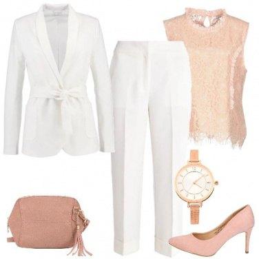 Outfit Il completo bianco e rosa