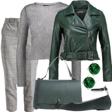 Outfit Grigio e verde