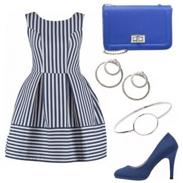 Outfit Righe blu e bianche