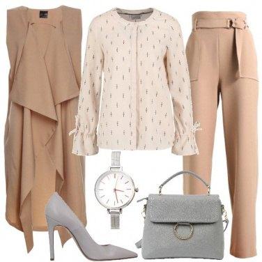 Outfit Beige e grigio