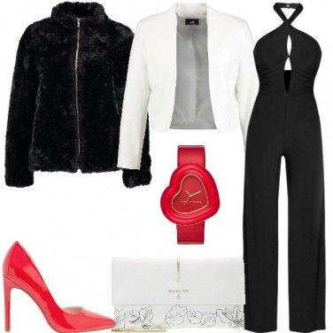 Outfit Jumpsuit e décolleté effetto vernice