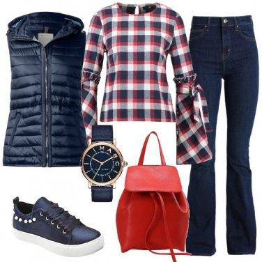 Outfit Rosso e blu marine