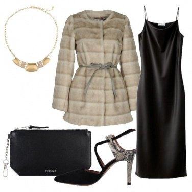 Outfit L\'abito in effetto satinato