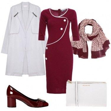 Outfit Bianco e bordeaux