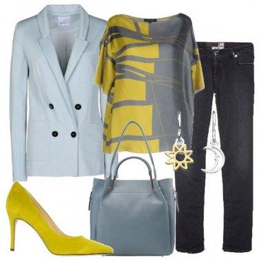 Outfit Celeste e verde acido