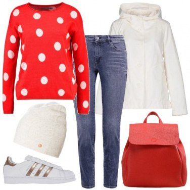 Outfit Il maglione rosso a pois