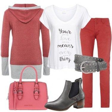 Outfit Colorata e pratica