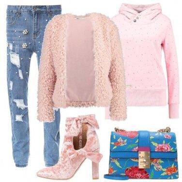 Outfit Colorata di rosa