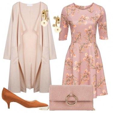 Outfit Il vestito in fantasia floreale