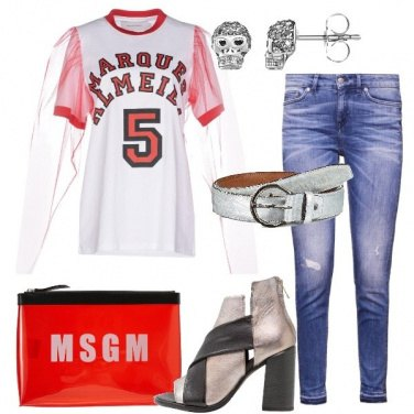 Outfit T-shirt con maniche in tulle