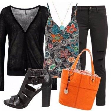 Outfit Nero con colore