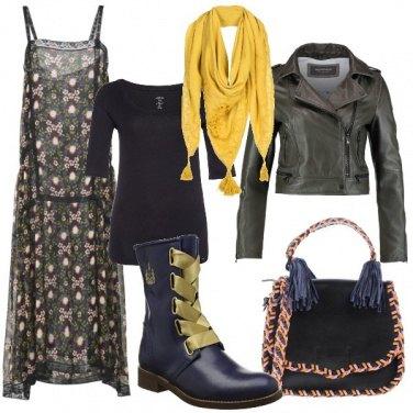 Outfit Stivali con stringhe a contrasto