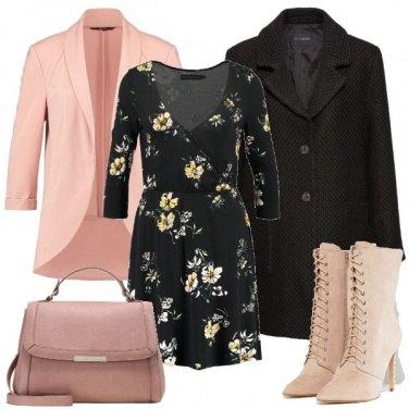 Outfit Accenni di rosa