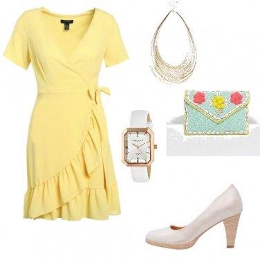 Outfit Abito giallo= buon umore :)